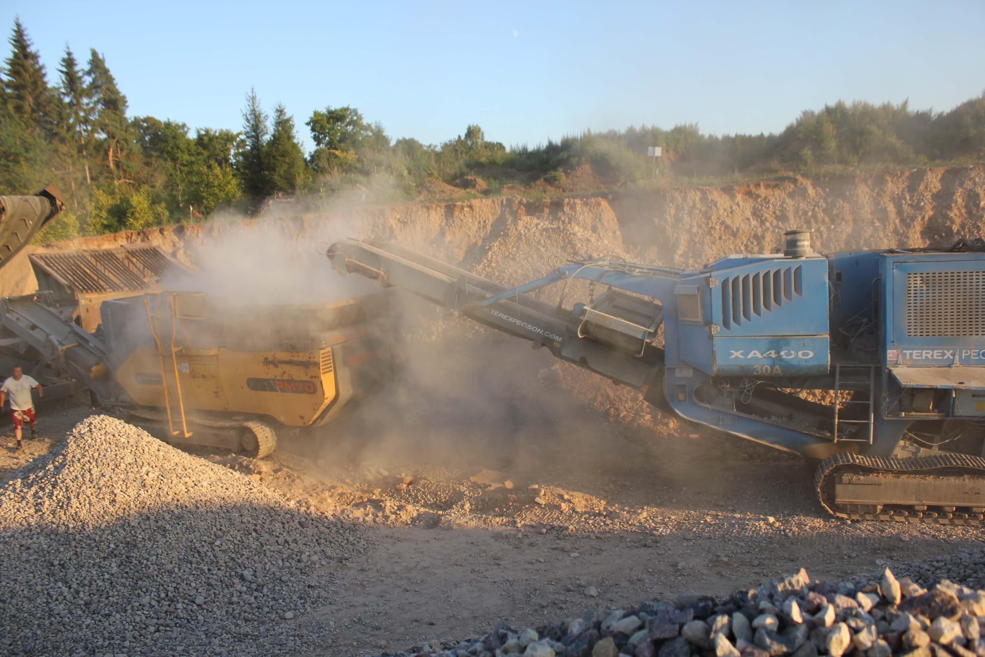 Kruusa-purustamine-Kivipurusti-Terex-Pegson-XA400-kivipurusti-Rubble-Master-RM-70