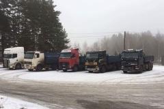 Kallur-SCANIA-poolhaage-ja-kallur-Volvo-ja-Scania-8-X-4-1